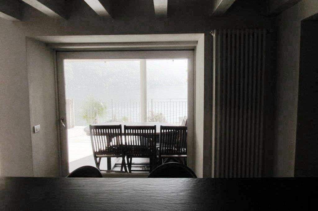 vista lago dalla cucina