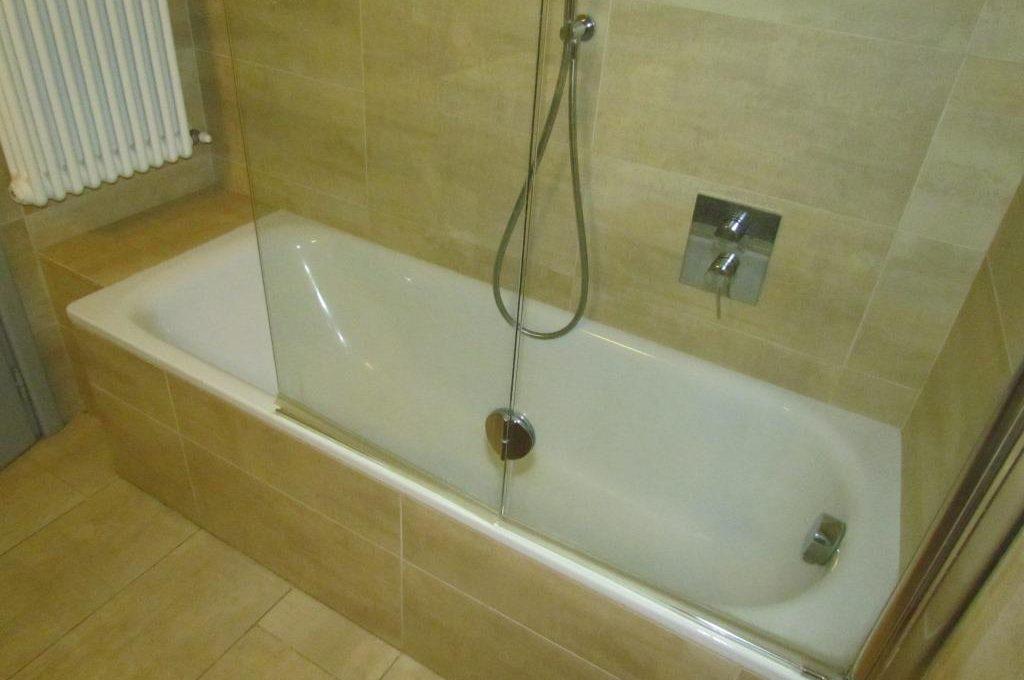 bagno padronale con vasca doccia