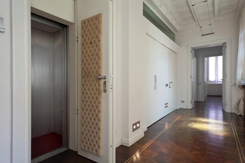ascensore al piano