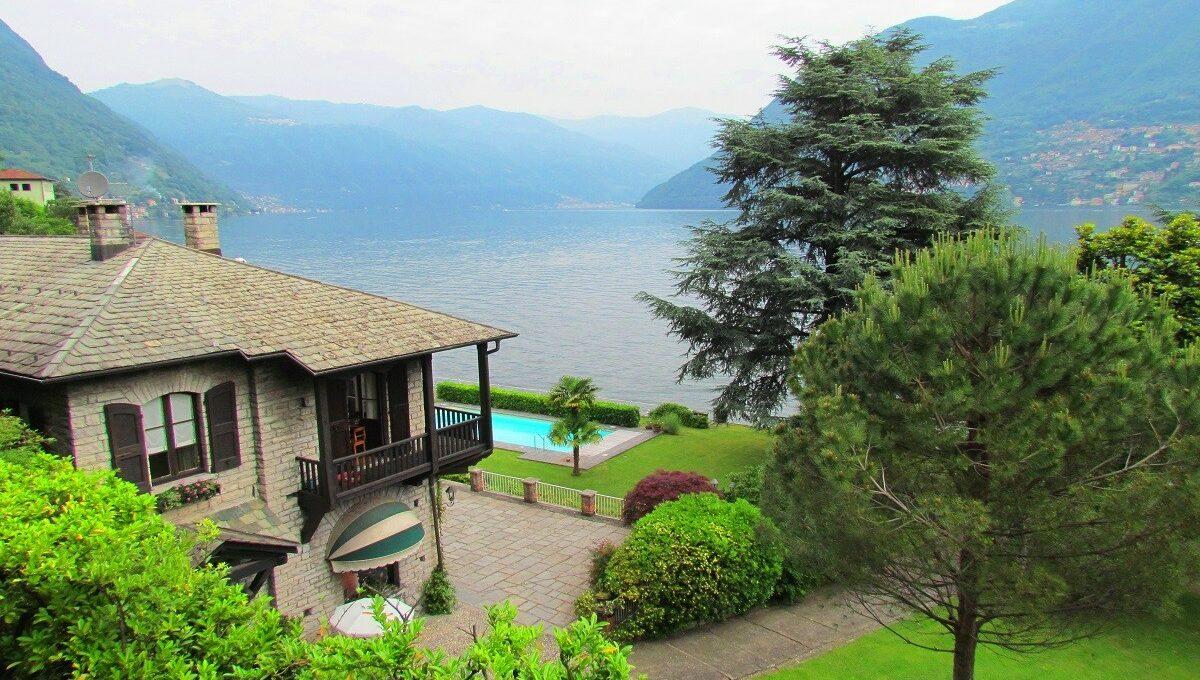 la villa di laglio con darsena privata e piscina