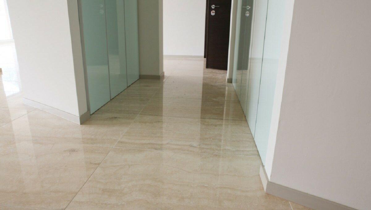 particolare dei pavimenti in marmo