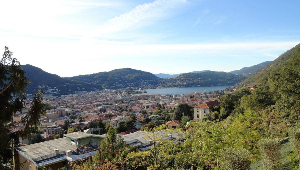 Villa con incantevole vista su lago e città