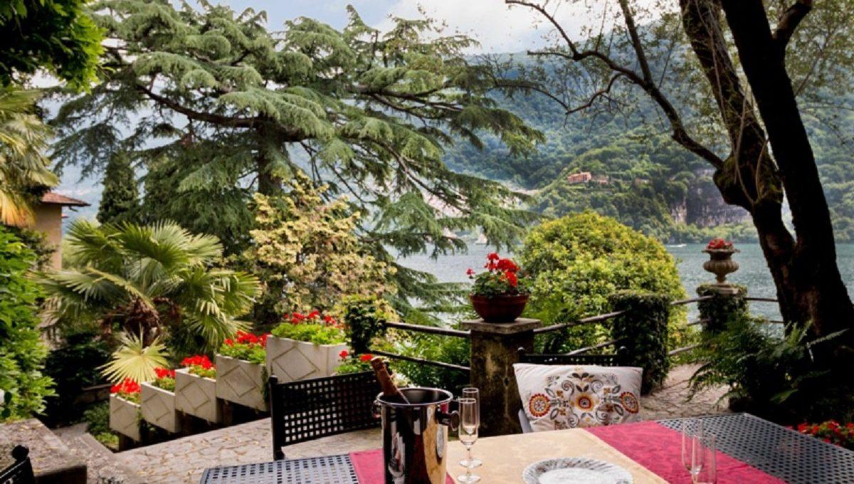 Terrazzo perfetto per pranzi e colazioni