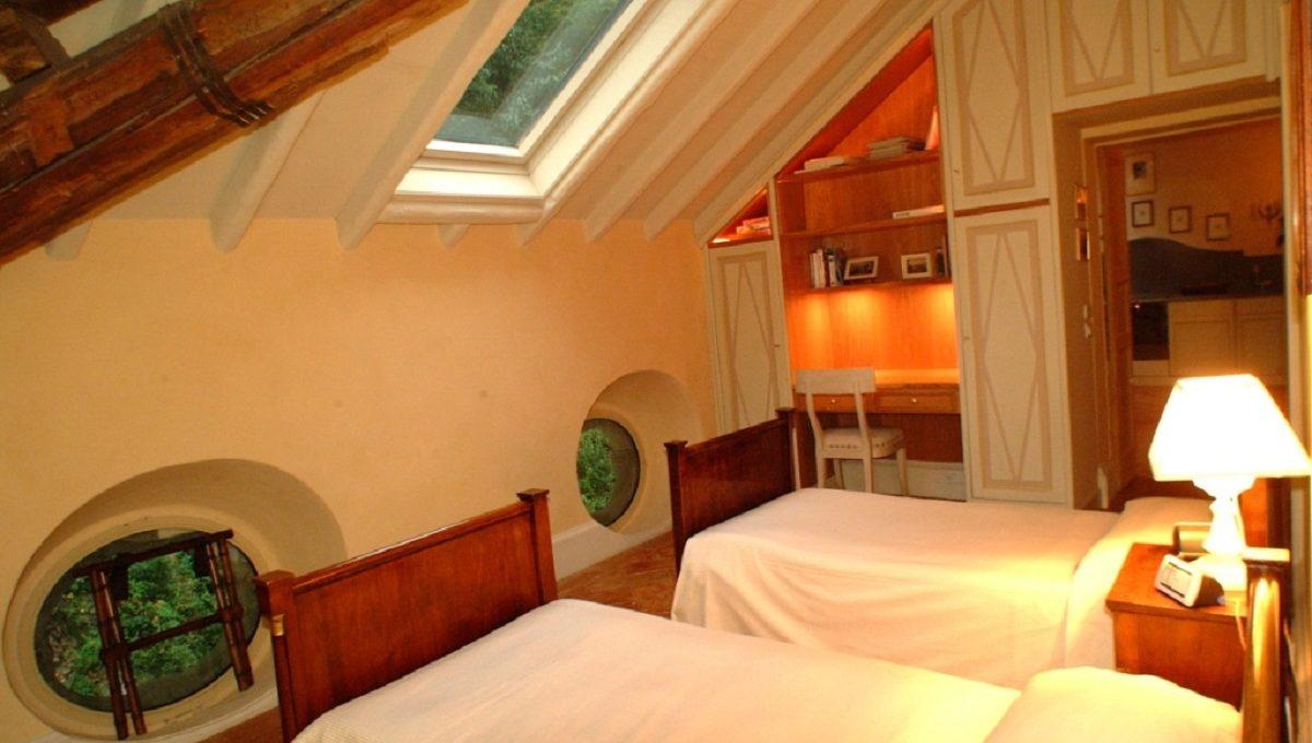 Camera con doppio letto all'ultimo piano