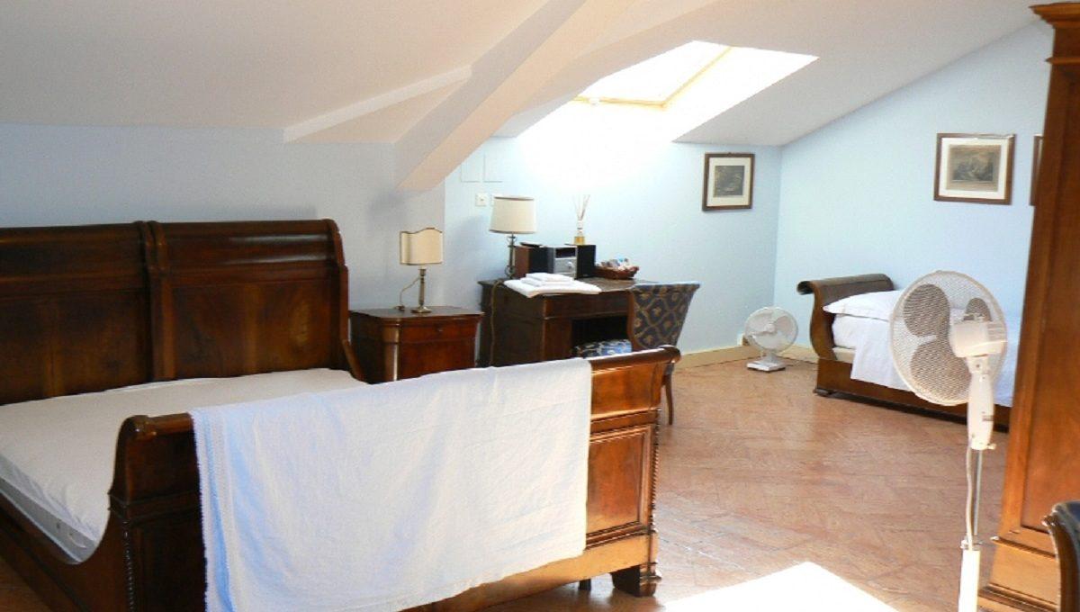 Camera da letto con ottima esposizione solare durante la giornata