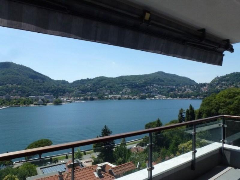 Lussuoso appartamento vista lago Vista del Lago di Como dal balcone