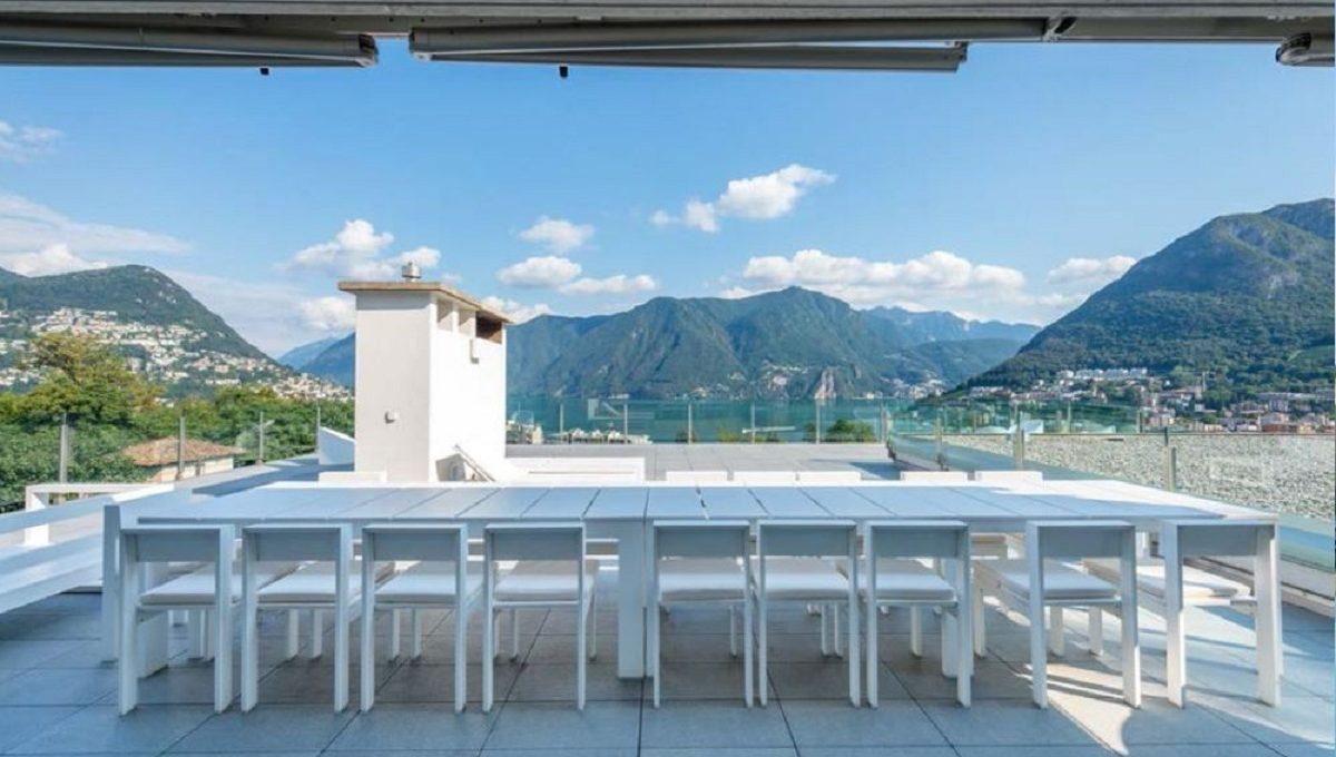 ampio terrazzo con vista lago di Lugano