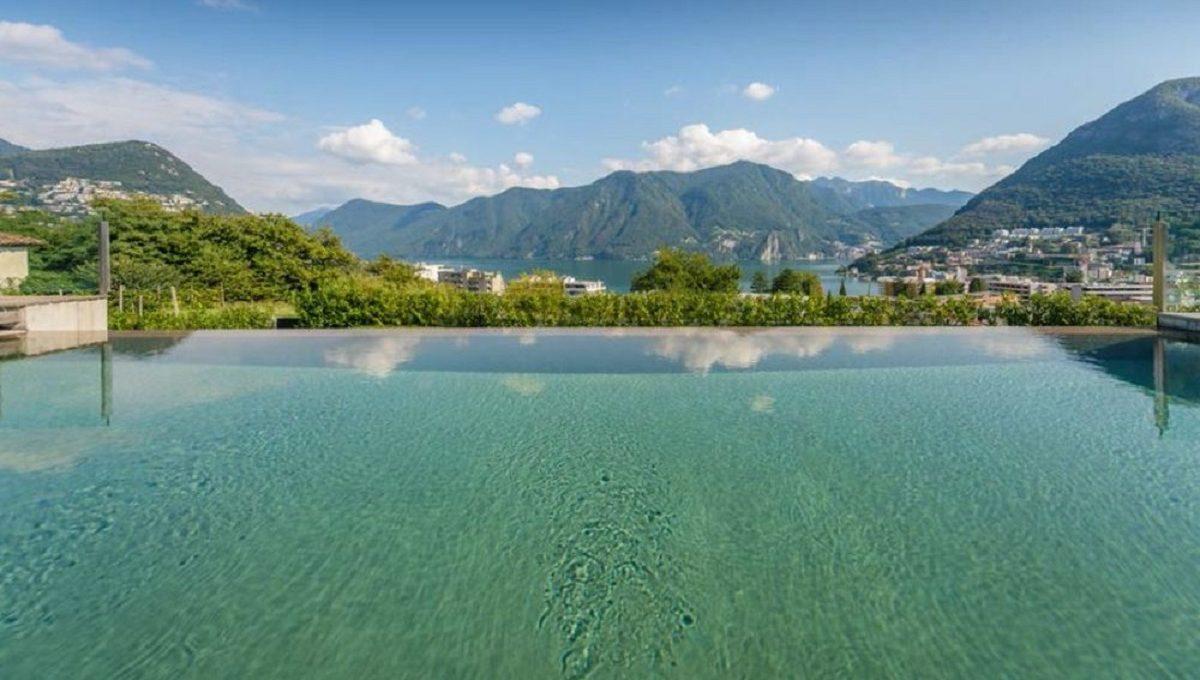 piscina sfioro