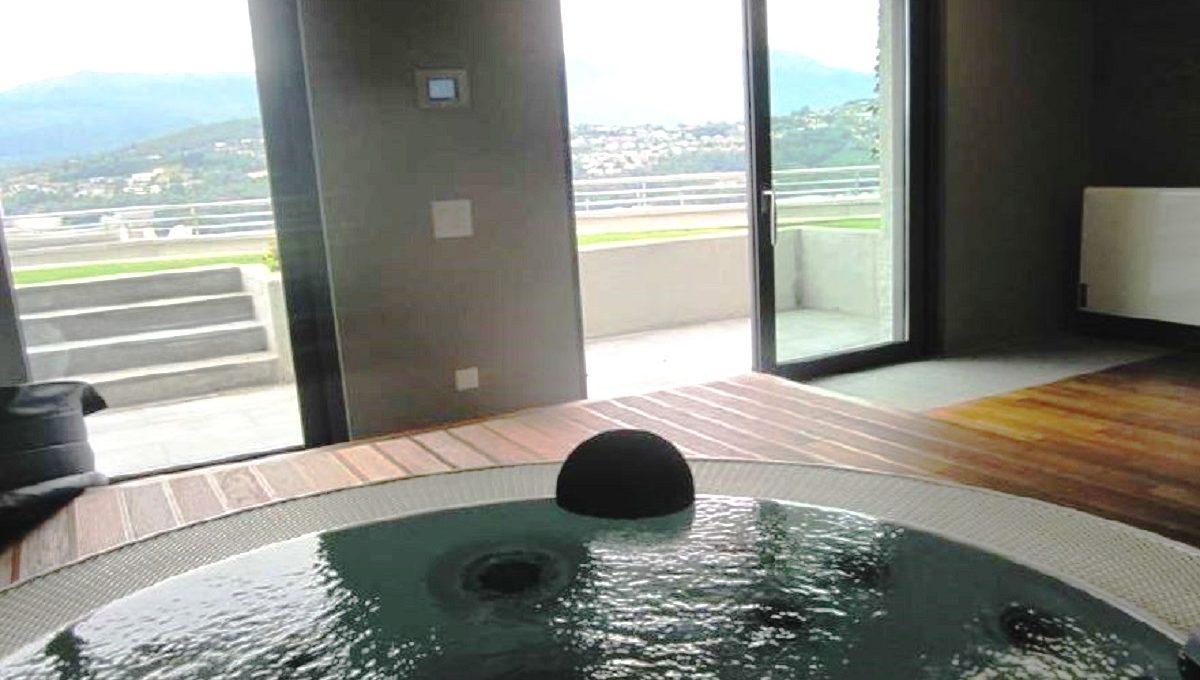 Spa comune con vasca idromassaggio