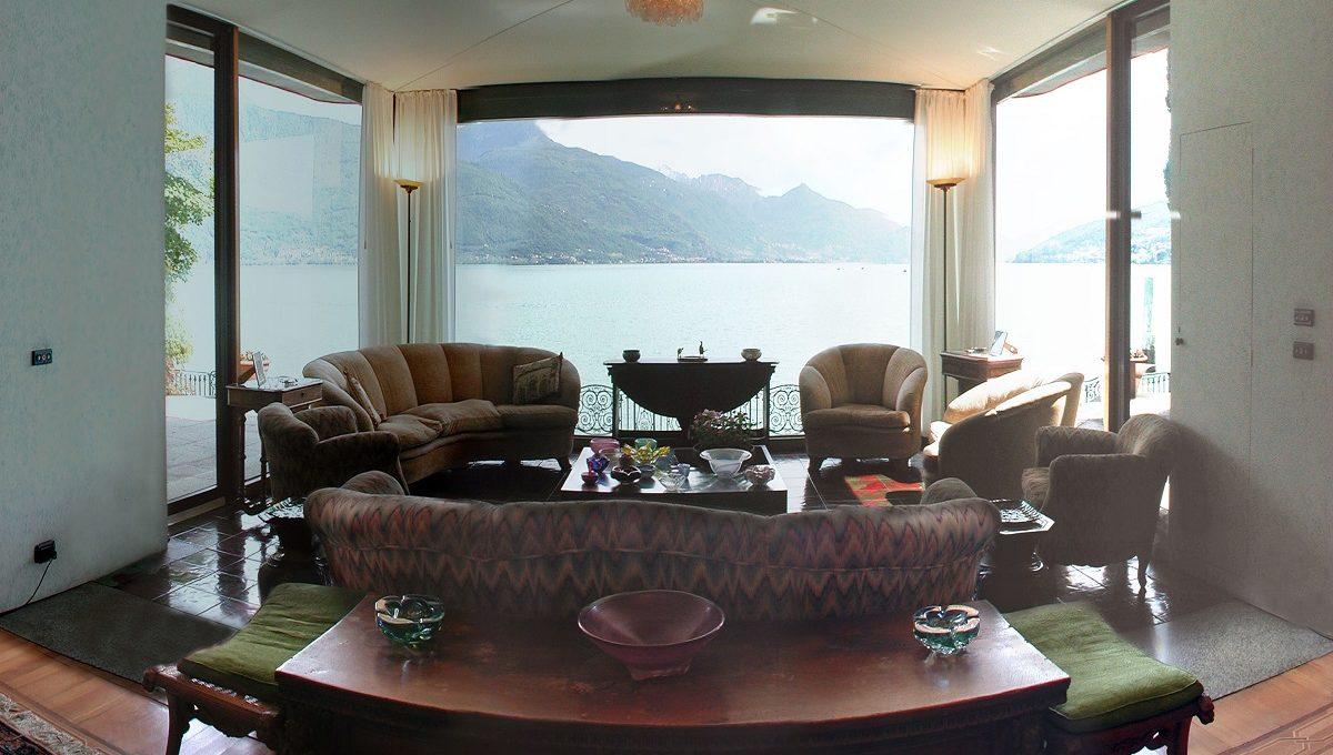 Salotto con ampia vetrata fronte lago