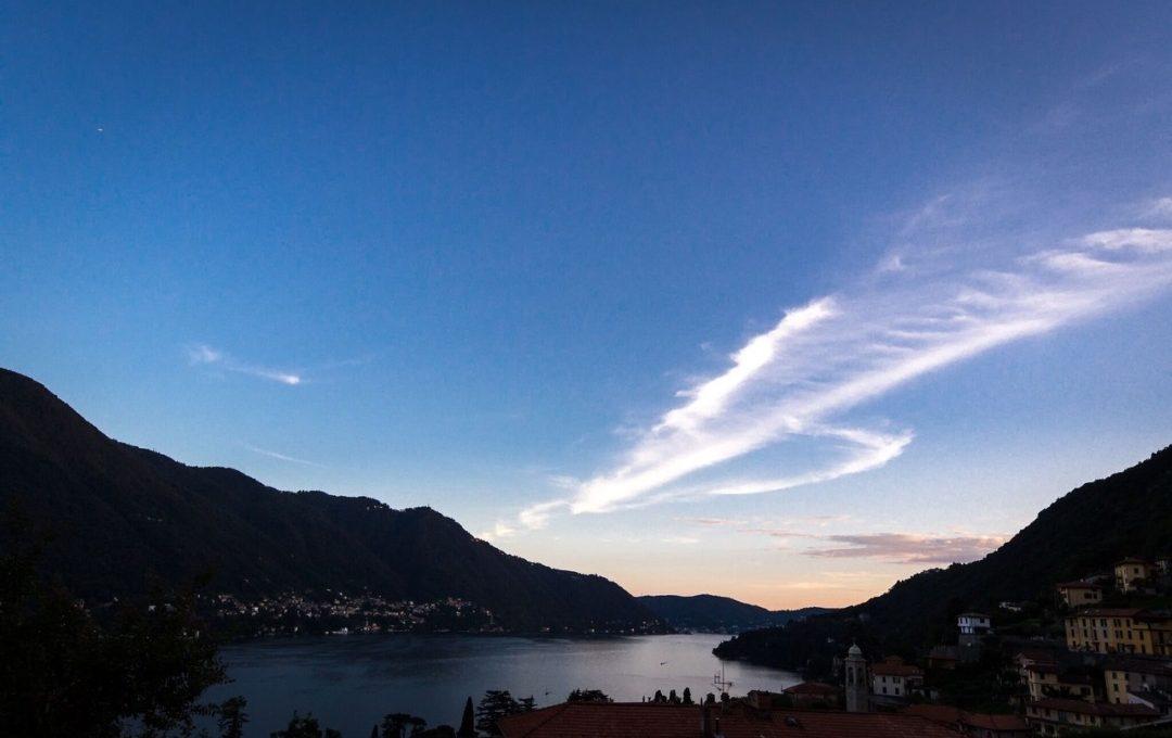 tramonto e vista dall'appartamento in vendita a Moltrasio Lago di Como