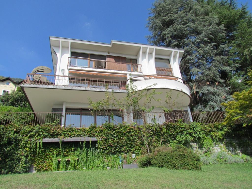 Lago di Como Cernobbio importante villa in vendita