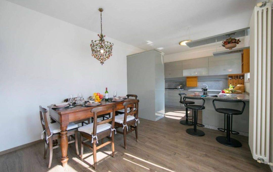 l'angolo cucina e soggiorno