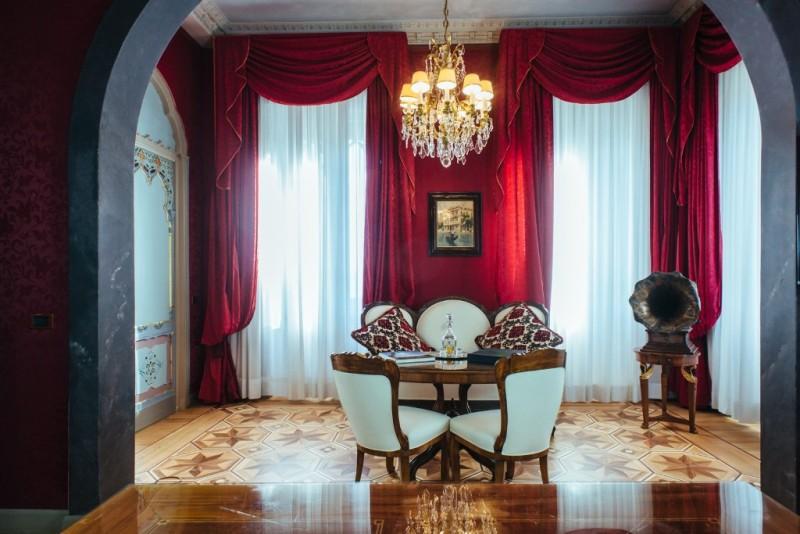 Hotel Relaix & Chateux Villa Crespi salottini delle suite