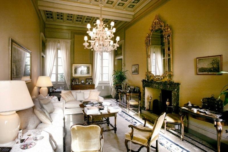 salotti della prestigiosa villa in vendita