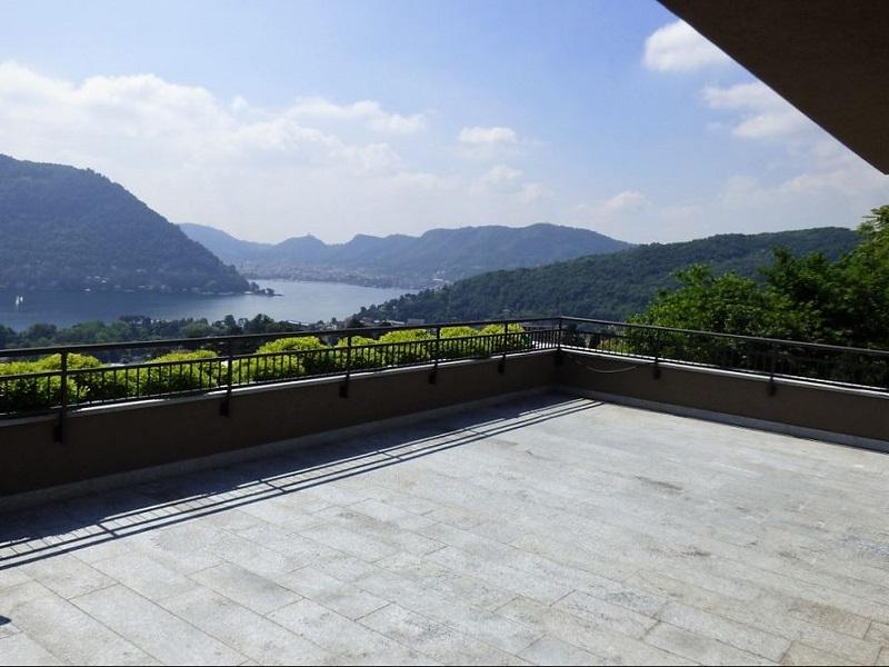 terrazza vista Lago di Como e Torno