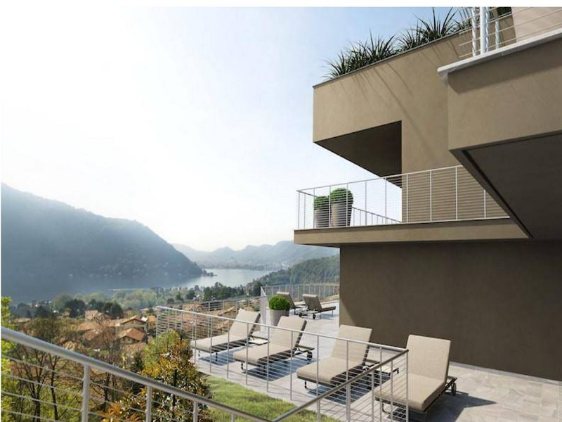 Cernobbio Lago di Como Prestigiosa villa vista lago in vendita