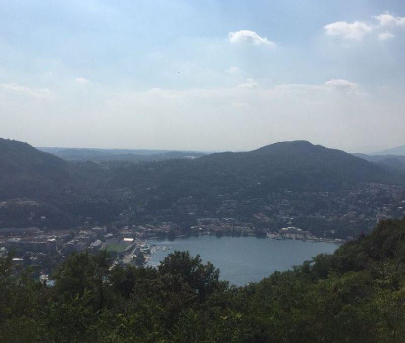 vista lago e città