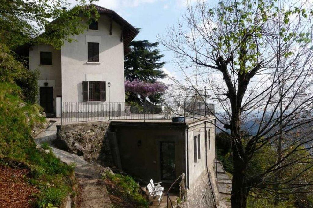 Brunate Como villa in vendita vistalago