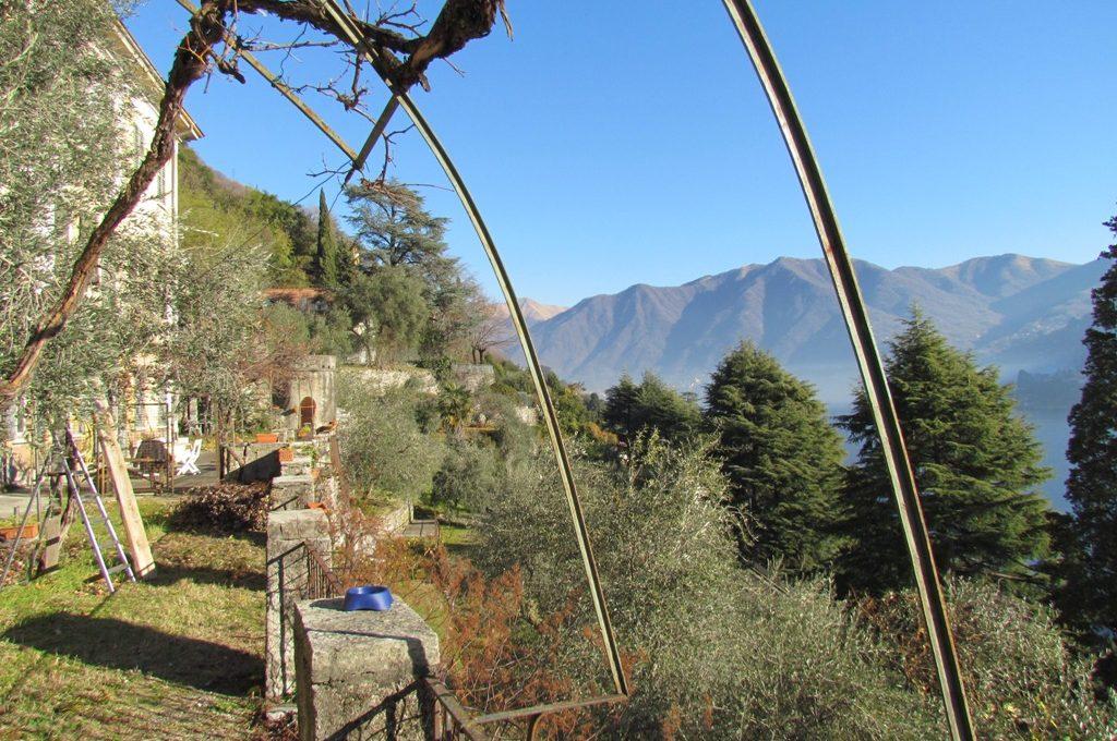 Moltrasio Proprietà in vendita con terreni panoramici Lago di Como