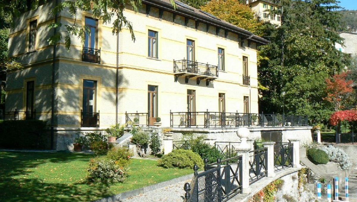 Villa in affitto a Moltrasio