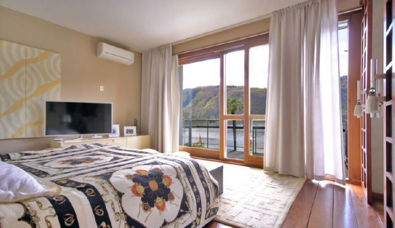 camere con splendida vista lago