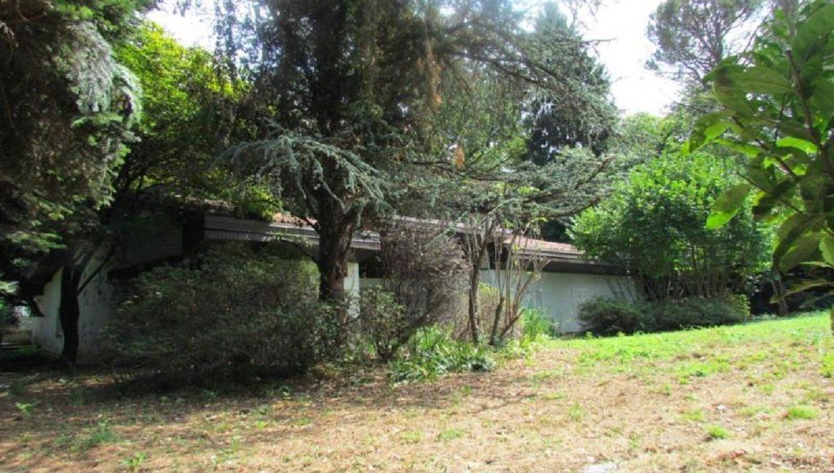 Villa-via-Ronco-42-3-1200x680