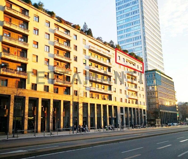 appartamento in vendita 2 piani Milano