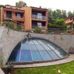 Cantù Villa con piscina coperta vista facciata della villa a cantù