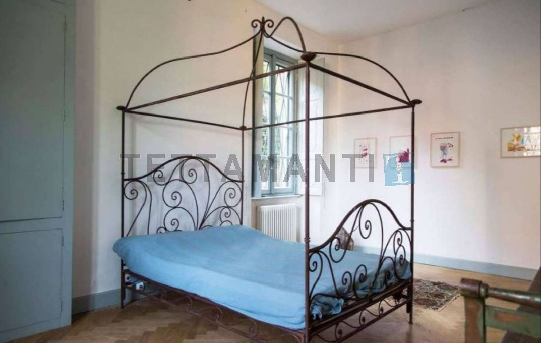 Lago di Como Faggeto vendita villa con parco Luxury