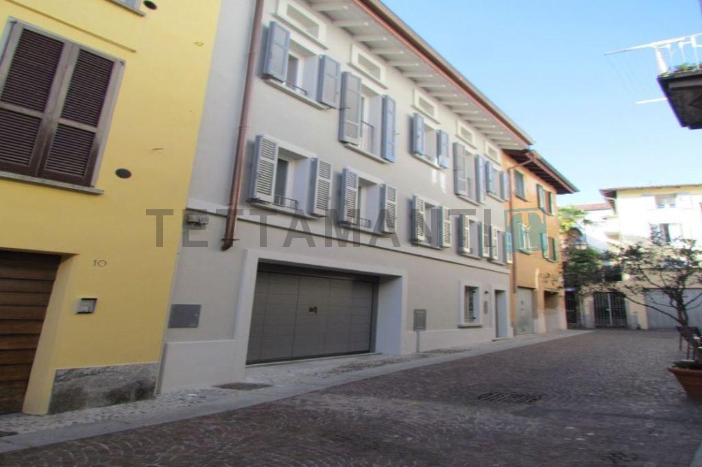 Cernobbio Lago di Como elegante villa in vendita in centro