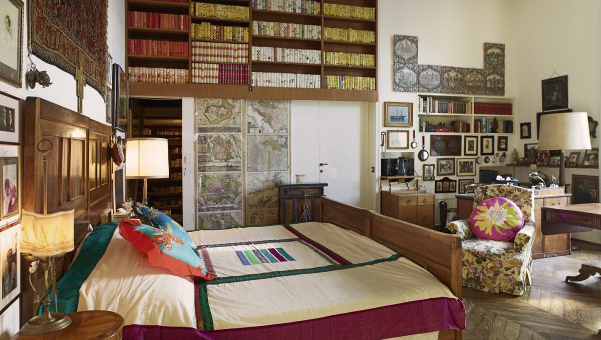 camera biblioteca