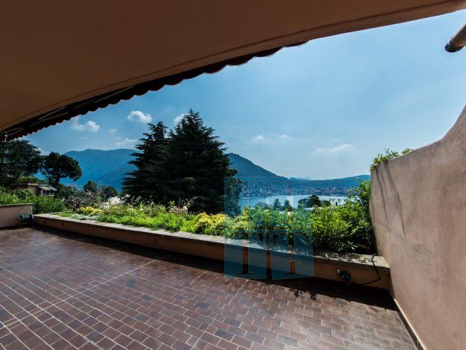 Como - ampio appartamento con vista lago panoramica
