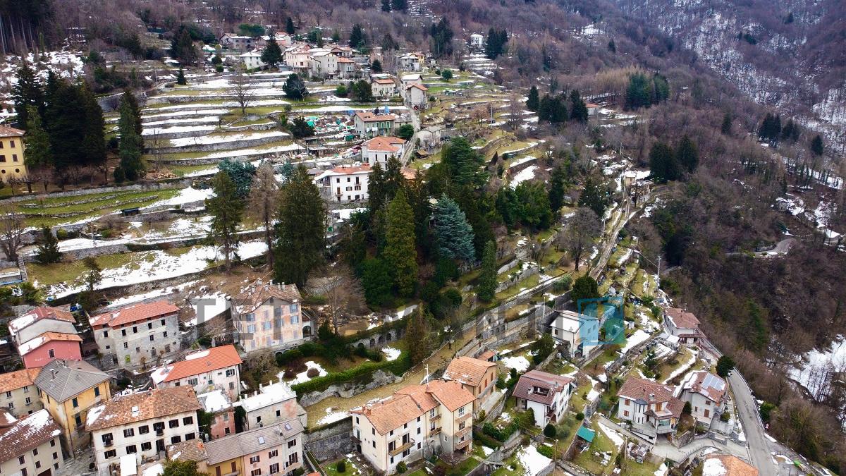 Villa Lemna proprietà design vendita ampio parco 7000 mq