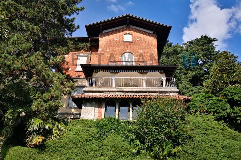 Villa panoramica collina di Como