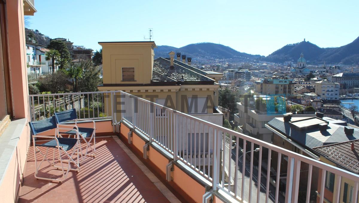 balcone vista città