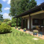 Montano Lucino villa panoramica giardino con molta privacy