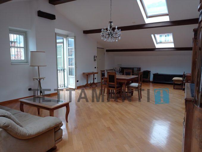 Como centro ampio attico con terrazzino 155 mq in centro como