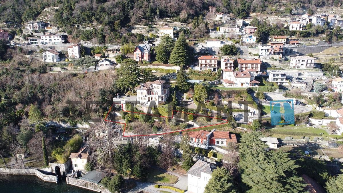 villa moderna vista lago como vendita