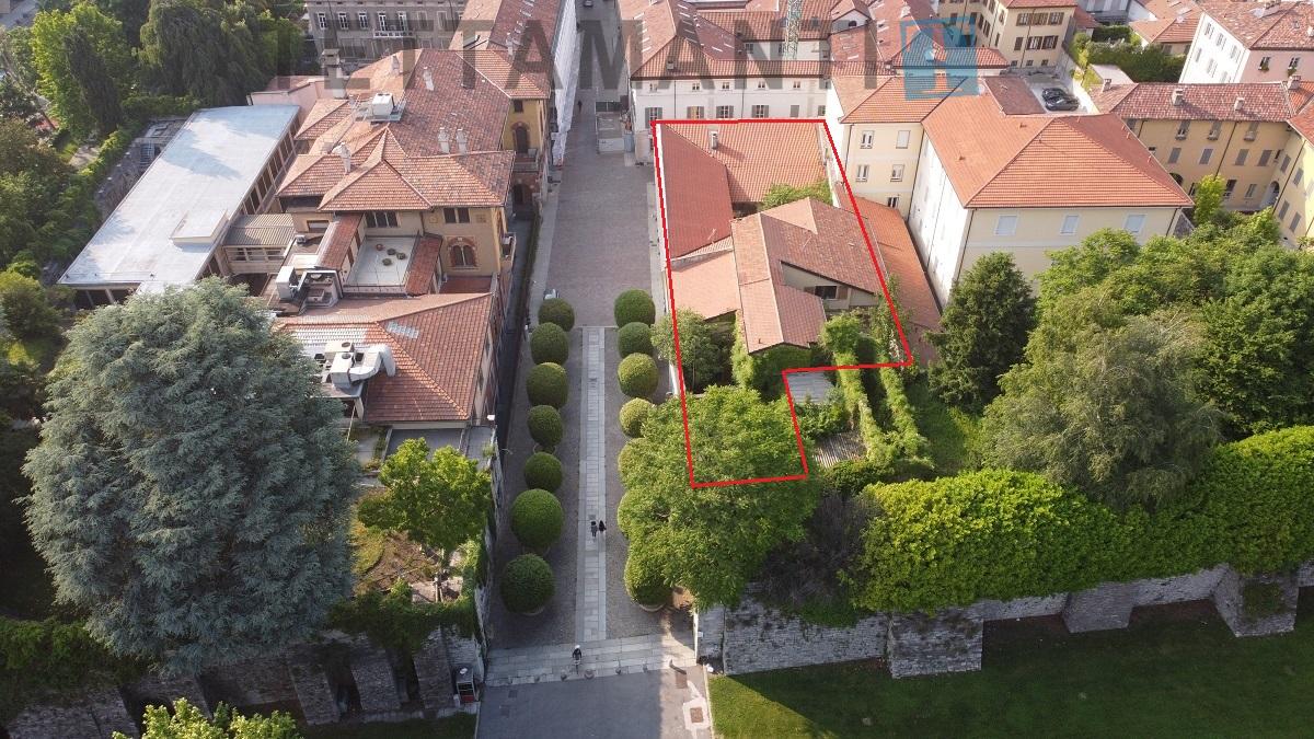 Palazzo storico in vendita Como