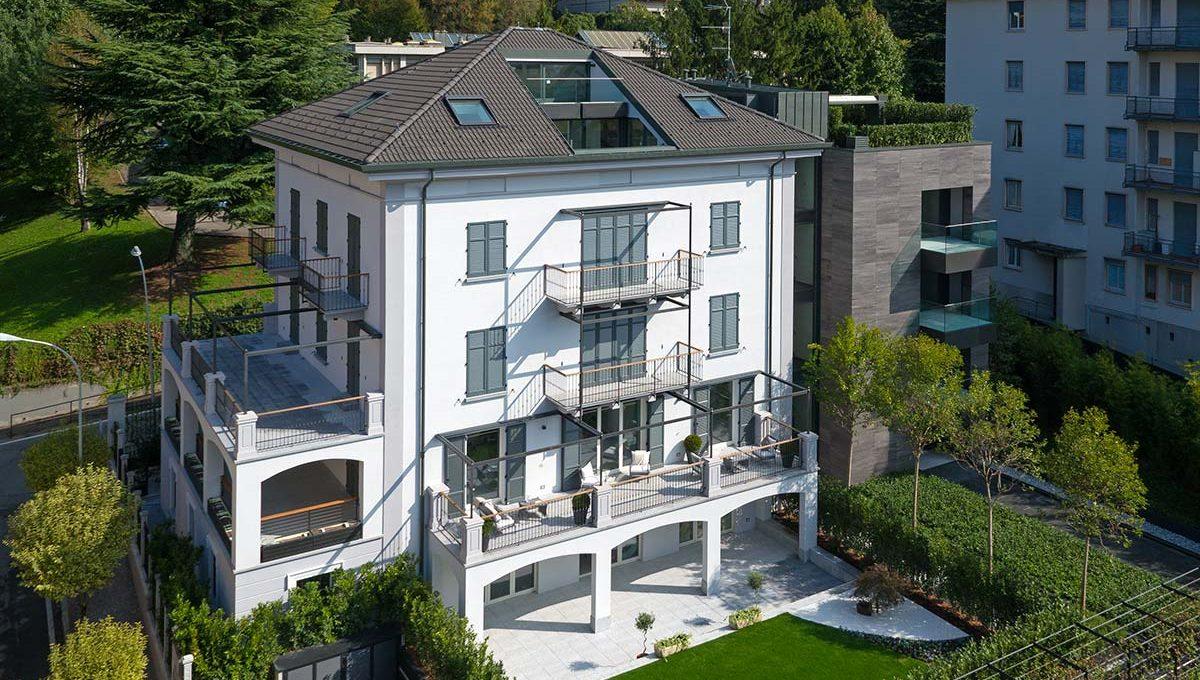 attico con terrazzo in vendita a como